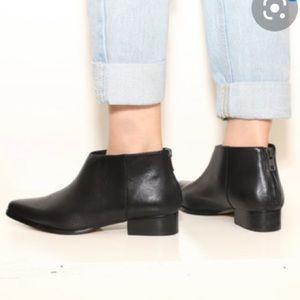 Shoes - Intentionally Black Leather Ankle Boots Sz 39